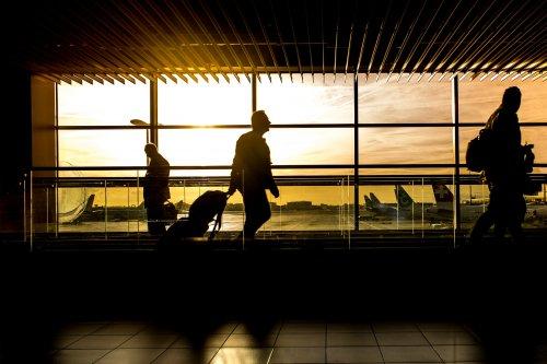夕暮れの空港