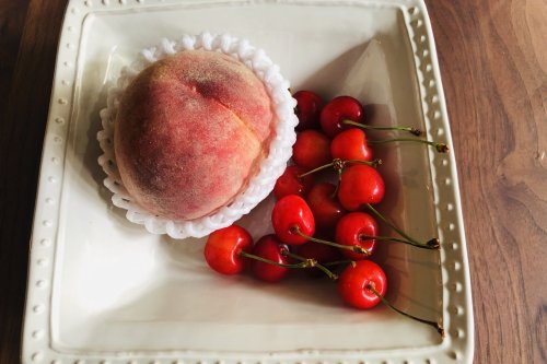 桃とさくらんぼ