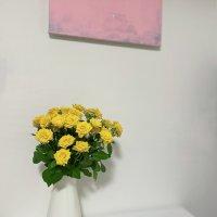 黄色のバラとMeliaさんの絵